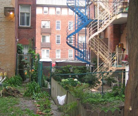 20070914_ghettoalleyway.jpg