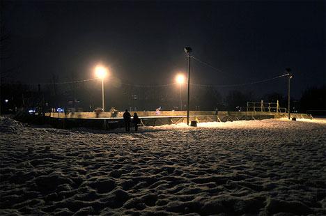 hockey-night-at-jeanne-mance-park.jpg