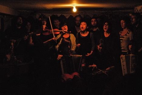 2009-1126coalchoir.jpg