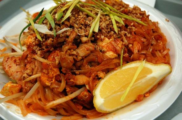 Foodcourt thai at cuisine bangkok pad thai and chicken for Cuisine thai