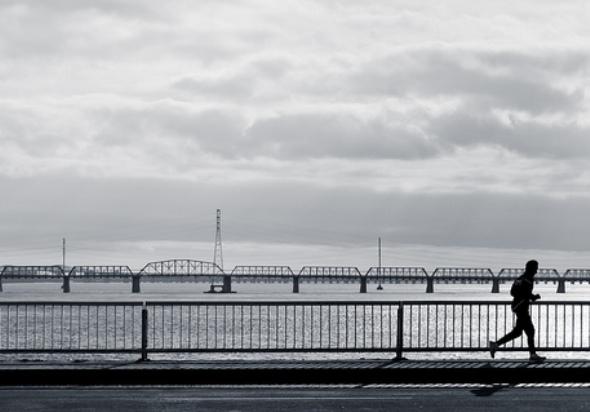 Montreal jogging Pont Champlain