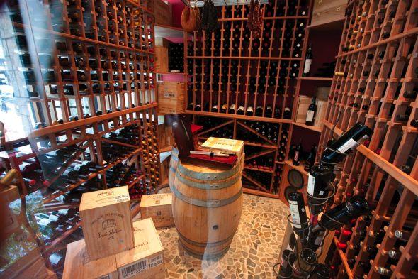 20110226_Portus-Calle-Wine-Cellar-with-Hanging-Sausages.jpg