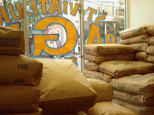flour,bagels,st-viateur,window,street,24h