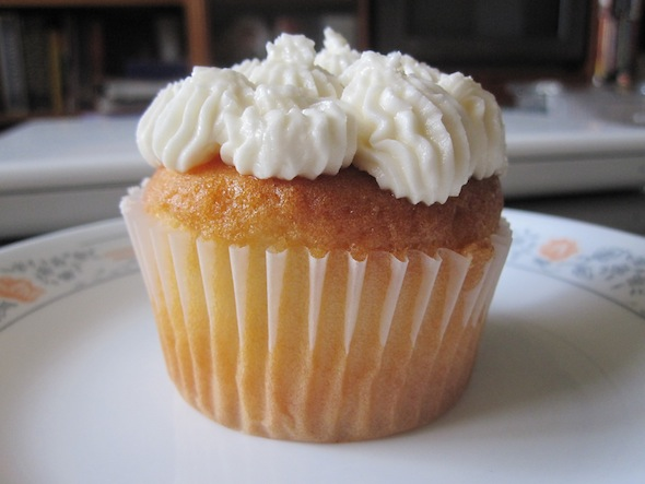 Mi & Stu Vanilla Cupcake