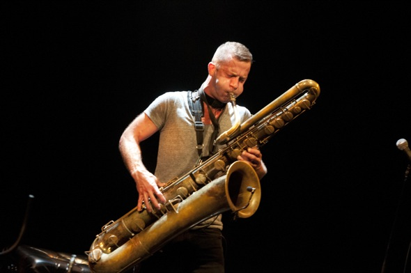 Colin_Stetson_FIJM_DenisALIX-008 2.jpg