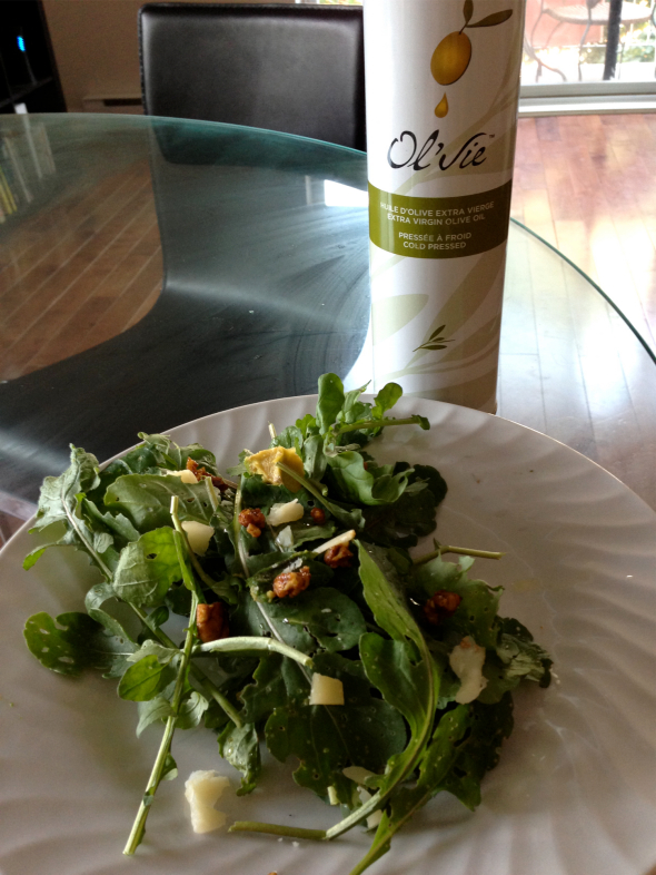 olvie-olive-oil-candied-pecan-arugula-salad